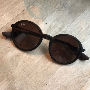 Tortoise circle ray bans